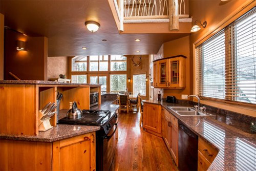 Wood Run Ski Haus Vacation Rental on Whitefish Mountain
